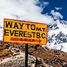 Everest Communication recrute un(e) graphiste / chef de projets expérimenté(e)